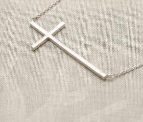 Fashion Cross Chain Necklace in Silver