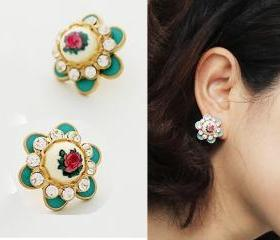 Fashion Vintage Flower Stud Earrings
