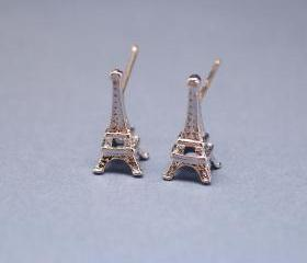 Eiffel Tower studs earrings in Silver/ sterling silver post