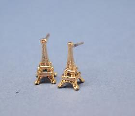 Eiffel Tower studs earrings in Gold / sterling silver post