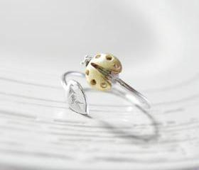 Adjustable ladybug with silver leaf ring, knuckle ring, adjustable ring