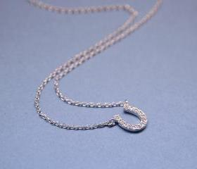 Horseshoe with cubic zirconia detail Necklace in silver