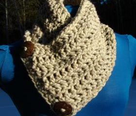 Le Petite Saranac Coconut Button Chunky Cowl - Wheat