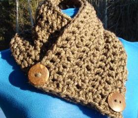  Le Petite Saranac Coconut Button Chunky Cowl - Barley