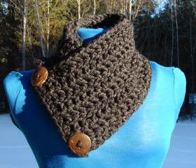  Le Petite Saranac Coconut Button Chunky Cowl - Charcoal