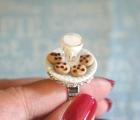 cookie and milk ring