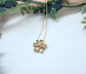 Gift Wrapping Bow Necklace in gold