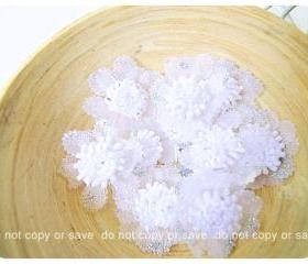White Satin organza flower with slivery glitter / pack 