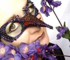 Purple humming bird mask
