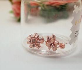 Gift Wrapping Bow Stud Earrings in pink gold