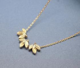 Laurel leaf necklace in GOLD