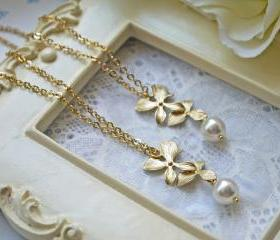 Matte Gold Orchid And Pearl Pendant Necklace.Wedding Jewelry. Bridesmaid Necklace. Modern. Elegant