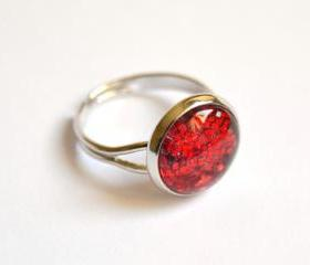 Sparkling red ring - glass cabochon and glitters