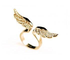 Sparkling Wings Ring