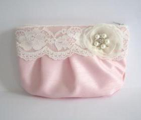 Wedding / Bridal / Bridesmaid Clutch - Simply Lace Clutch Purse - Stardust Brooch Bridesmaid Purse