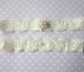 Ivory Garter Set / Wedding Garter - Simply Elegance and Pearls Bridal Garter Set (including toss garter)