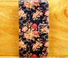 Retro Black Floral Pattern iPhone 5 Cover