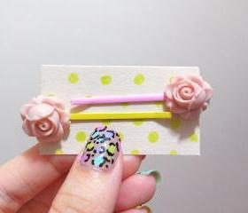 Clay Flower Bobby Hair Pin in a Pair ( Amaranth pink )