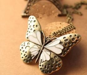 Classical fashion noble White wings Butterfly necklace