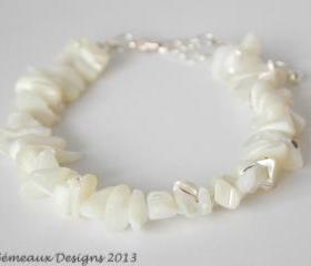 Mother of Pearl chip bracelet