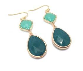 Emerald earrings - gold frames earrings - Emerald green teardrop earrings - starstruck
