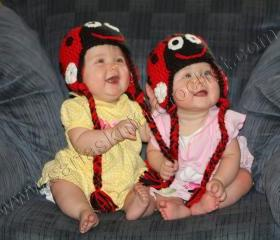 Twin Hats Newborn Lady Bug Hats for Twins- Twin Girls Red Beanie Infant Lady Bug Hat for Little Girls- Black and Red Hat