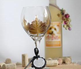 Yellow leaf with gold trim painted wine glass - Dishwasher safe