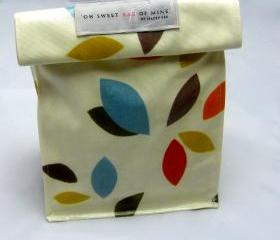 Oilcloth Lunch Bag - Scattered Leaves