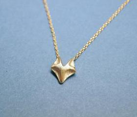 Fox charm pendant necklace in matte gold