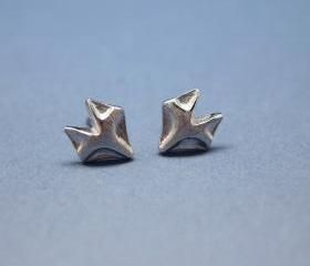 Fox studs earrings in matte silver