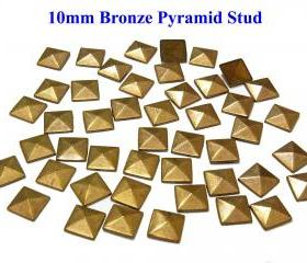 100 pcs 10mm DIY Bronze Pyramid FlatBack Studs Hotfix Iron On Glue On for iPhone Case or Crafts