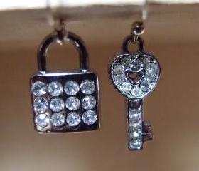 Lock my heart earring