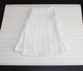 Mr. Pleater Board, size 1'(17'W x 21'L), make perfect pleated skirts and pleated dresses in a quick and easy way.