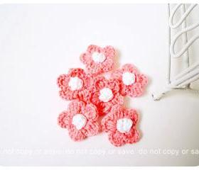6 peach crochet flowers / pack