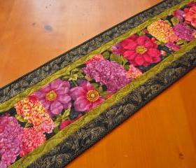 Quilted Table Runner Flower Burst