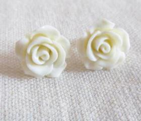 White Flower Stud Ea..