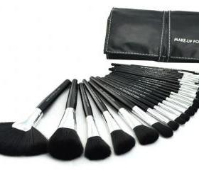 Fashion 24 PCS Cosmetic Makeup Tools Facial Makeup Brush Set With Black Leahter Case