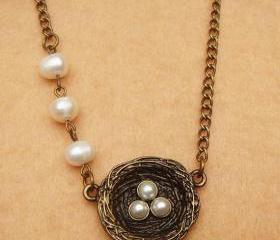 Nest And Fresh Water White Pearl Necklace