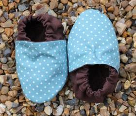 Baby booties, Aqua mini spots 3-9 months