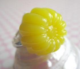 Yellow Jelly Pudding Ring