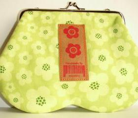 Green flowers glasses purse