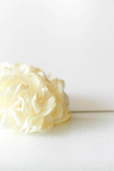 ESTHER-Butter Cream Men's flower Boutonniere/Buttonhole for wedding,Lapel pin,hat pin,tie pin