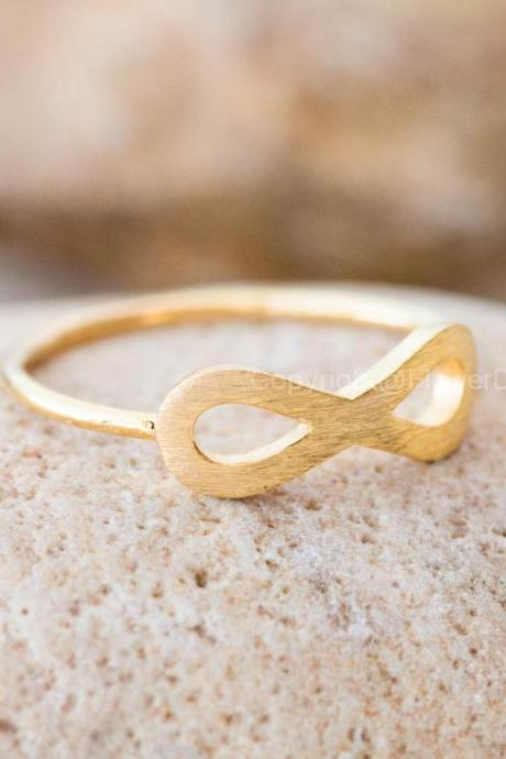US Size 6-Simple INFINITY Ring In Gold