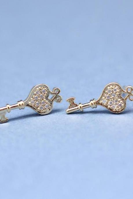 HEART KEY with clear CZ stones post earrings in Gold
