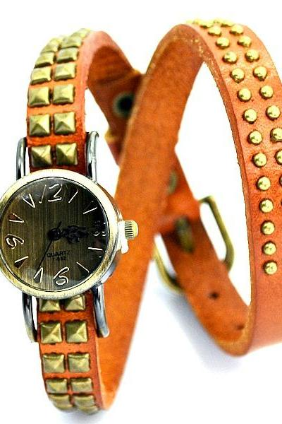 Vintage Round Quartz Rivet Leather Watchband Black Unisex Lady Girl Men Wrist Watch Light Brown