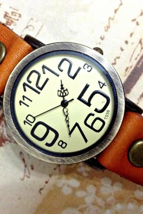 Vintage Big Arabic Numerals Face Leather Watchband Unisex Wrist Watch For Men Lady Retro Round Quartz Light Brown