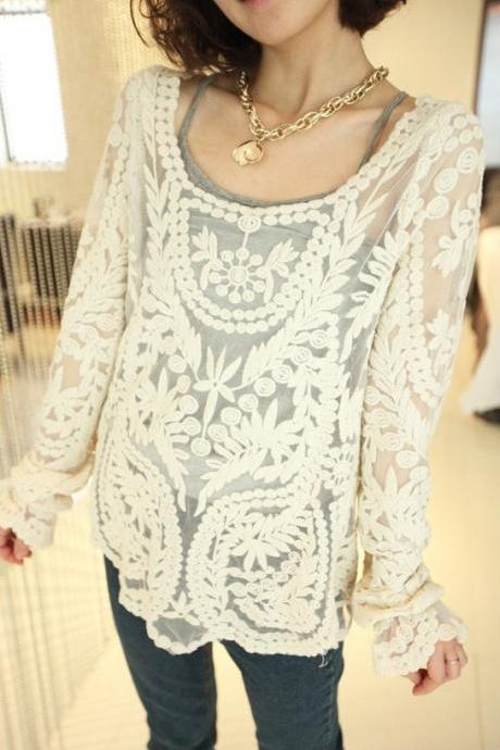 Relaxed Embroidered Perspective Lace Blouse