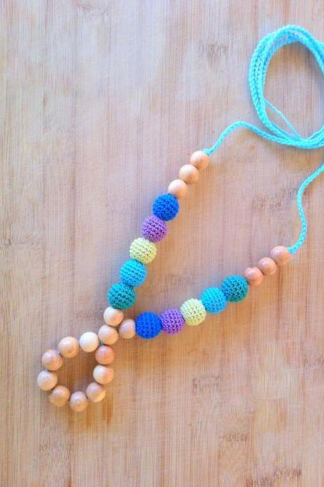 Juniper Wood Ring Breastfeeding mom necklace - Teething necklace in blue, lilac, spring yellow, green, tuorquse