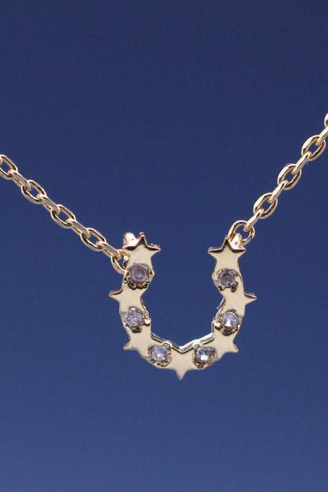 HorseShoe and stars Necklace detailed with CZ in gold