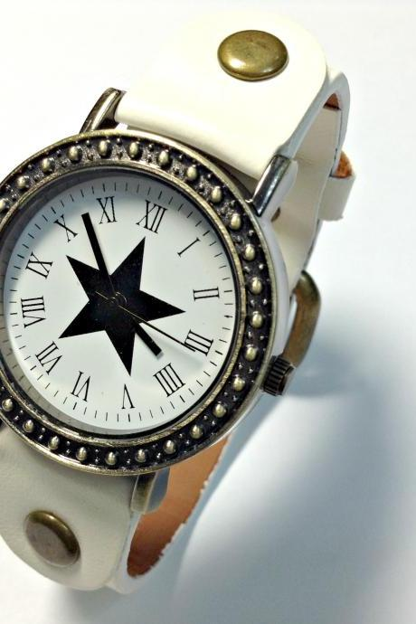 Star Face Vintage Leather Band Watches Woman Girl Quartz Wrist Watch White